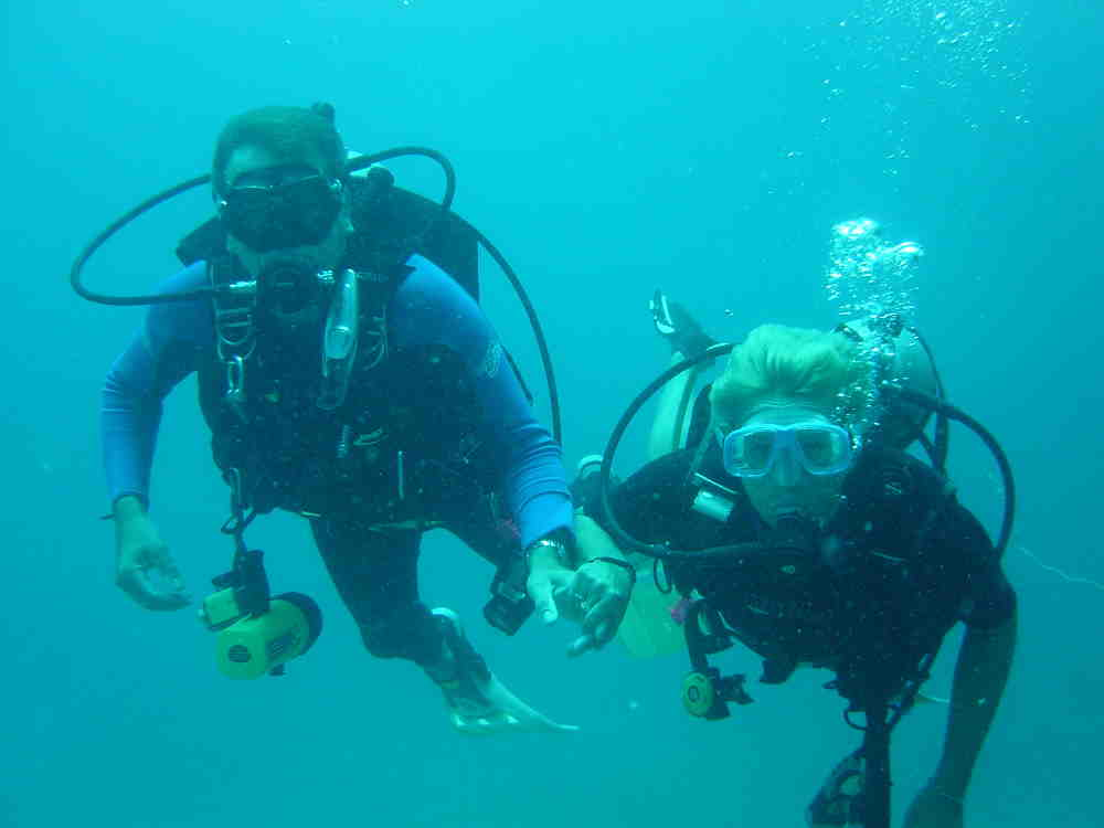 Discover Scuba Diving with your Phuket dash Scuba instructor by your side.