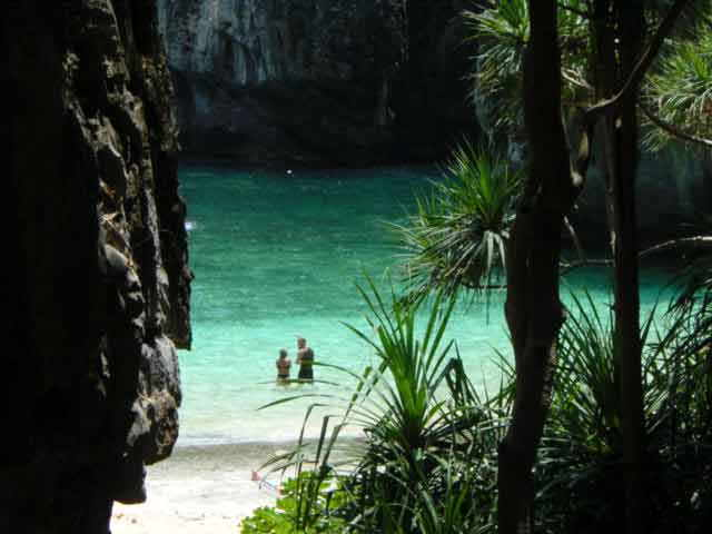 Photo of the famous Maya Bay on Phi Phi Ley.